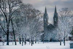 400px-Bowdoin-chapel-winter